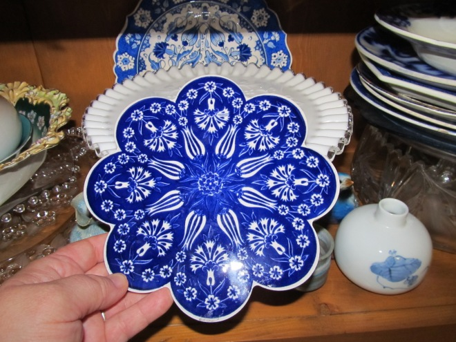 I bought this lovely blue and white trivet in Anadolu Kavak at the farthest point of our Bosphorous cruise.
