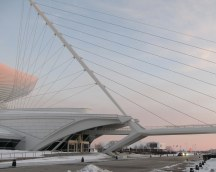 Milwaukee Art Museum exterior; image by TTQ cc
